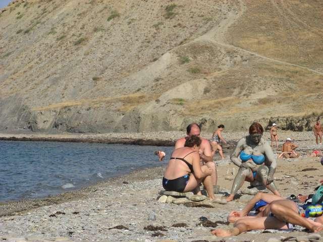 """пляж отеля """"У Еленки"""" Судак"""