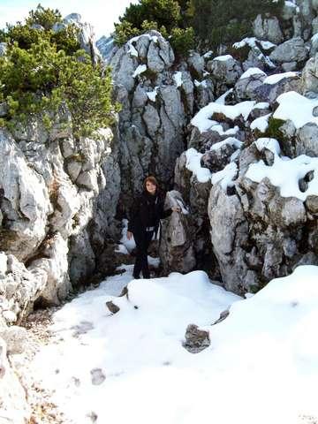 В Альпах уже лежал снег, но было жарко