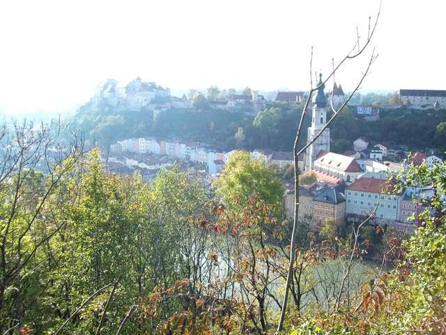 Такой мы увидели немецкую крепость Бургхаузен с австрийского берега