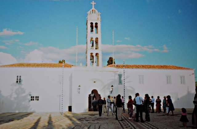 Церковь. Ожидание венчания