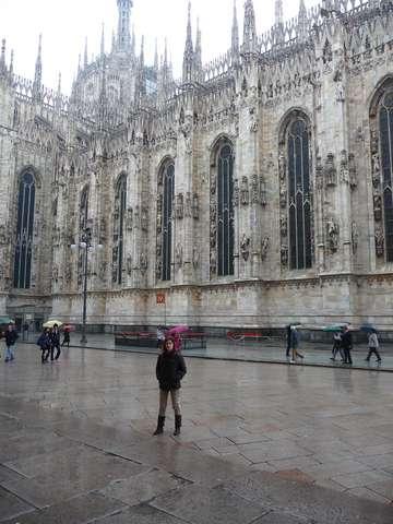 Левое крыло собора Дуомо