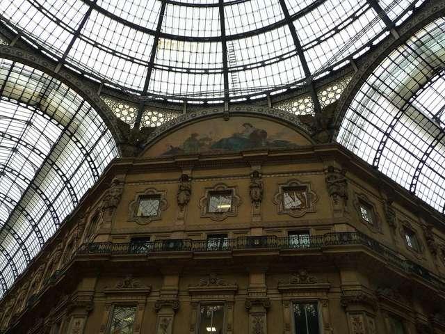 Под куполами галереи Витторио Эмануэле II