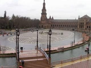 ракурс центральной площади (снимок со второго этажа)