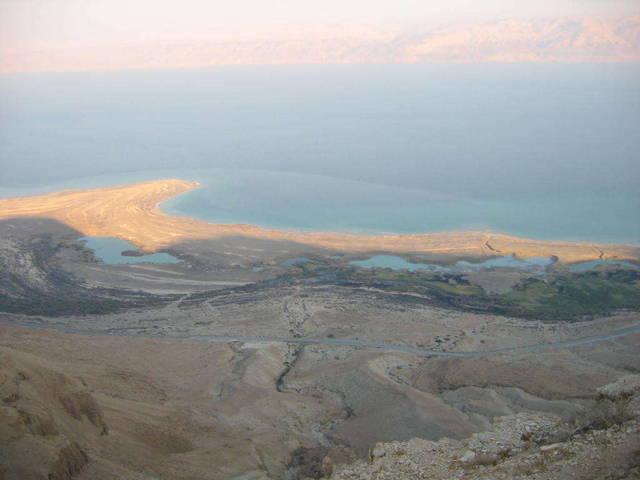 Вид на Мёртвое Море из Иудейской пустыни