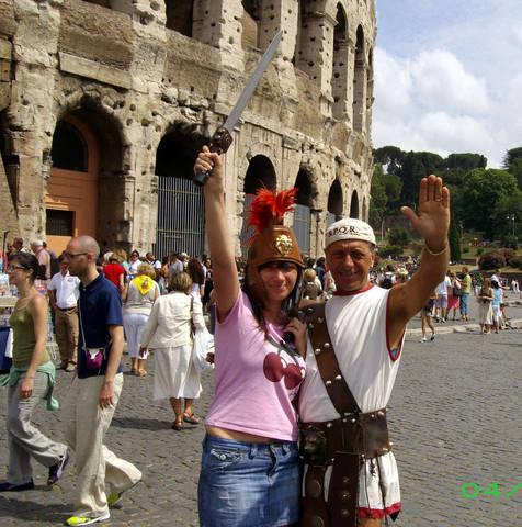 У стен Колизея