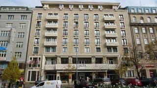 отель Jalta 4*