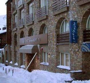 отель Himalaia Pas 3*