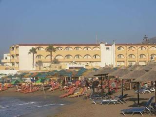 отель Phaedra Beach Hotel 3*