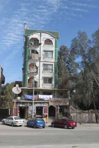 вот такие домики строят в Каире