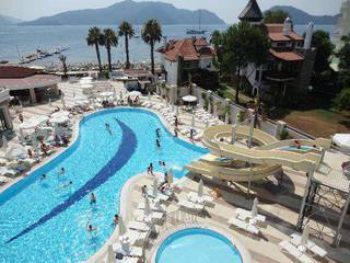 отель Golden Rock Beach 5*