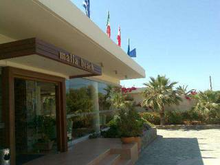 отель Malia Beach 4*