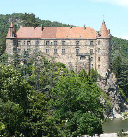 Замок Лавут-Полиньяк