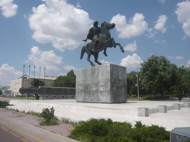 Памятник А.Македонскому в Салониках