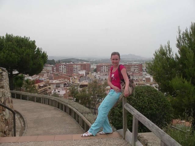 Вид на Мальград-де-Мар со смотровой площадки парка