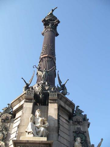 Памятник Х.Колумбу в конце бульвара Ла Рамблас