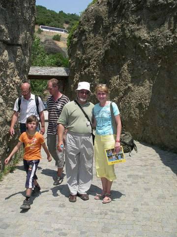 С гидом, который провел интересную и познавательную экскурсию на Метеору