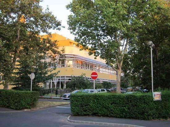 Отель Helios Anna 3*