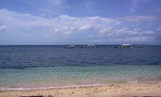 Море у отеля