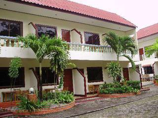 отель Club Coconut Resort 3*