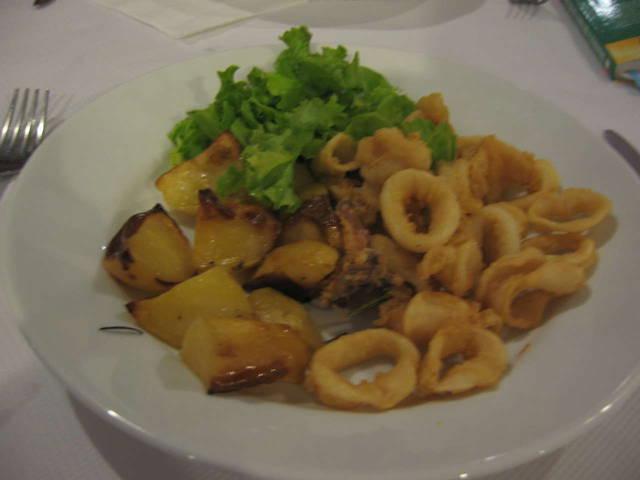 Еда в ресторане Mr.Grillo