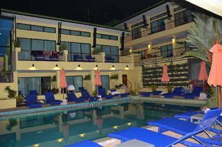 отель CC Bloom's Phuket 3*