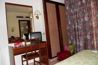 отель Alexis 3*