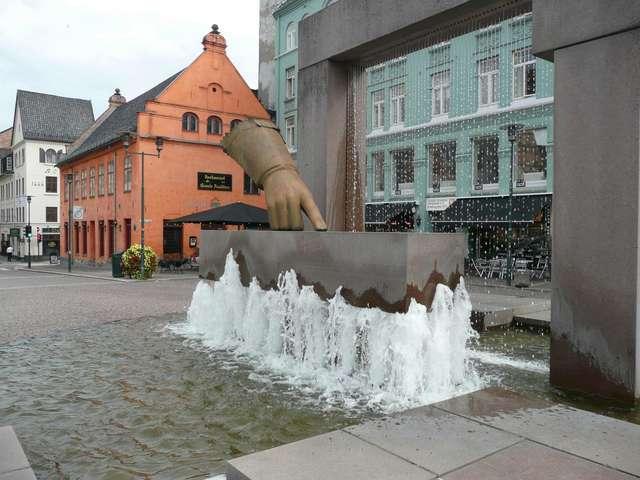 Удивительный памятник в Осло посвященный Cristiano IV