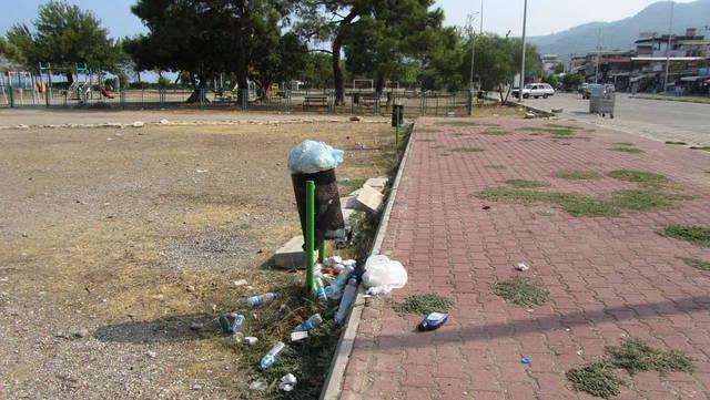 мусорка,которая не убирается уже дня четыре