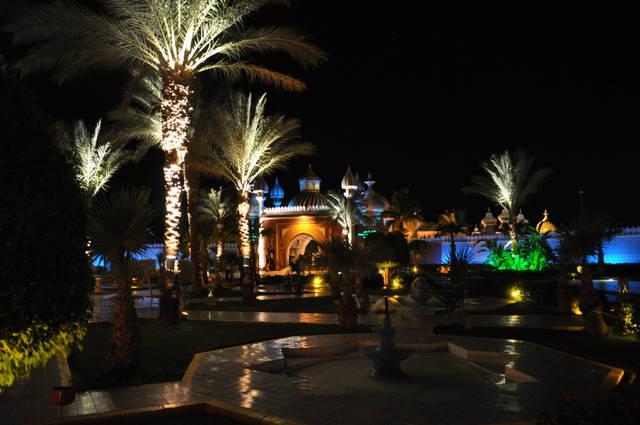 Батискафах вечером ночью казино рестораны дискотеки шоу программы популярность курорта игровые автоматы бесплатно и