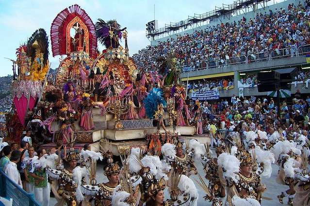 Знаменитый карнавал в Рио де Жанейро