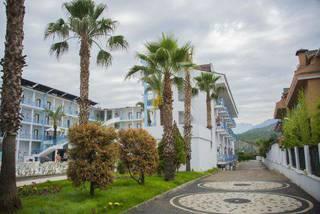 отель Blue Sky 4*