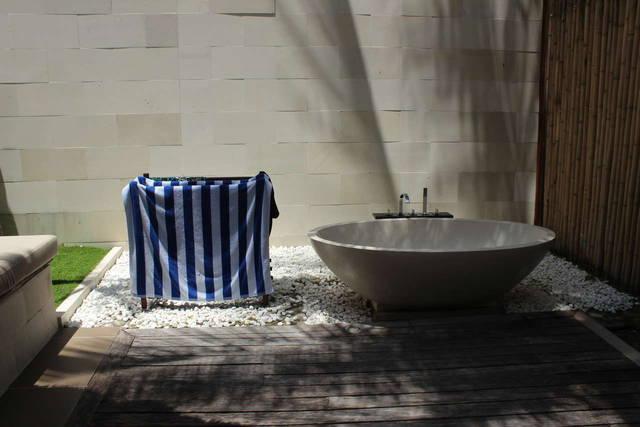 Шикарная ванная  на свежем воздухе
