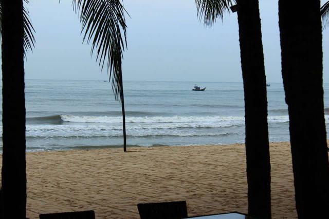 Пляж отельный