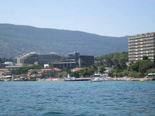Отель - среднее строение
