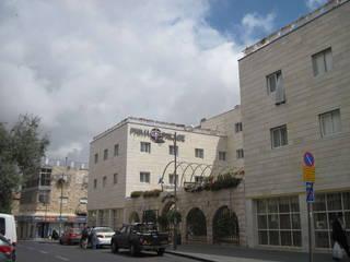 Тихая улица, отходящая от главной иерусалимской улицы Яффо