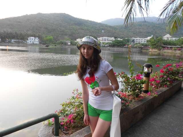 Озеро при отеле, очень красиво)