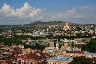 Еще один красивый вид на Тбилиси