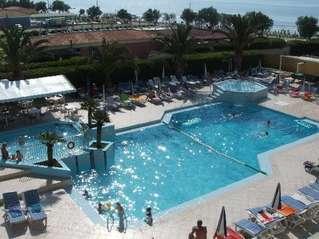 отель Poseidon Beach 3*