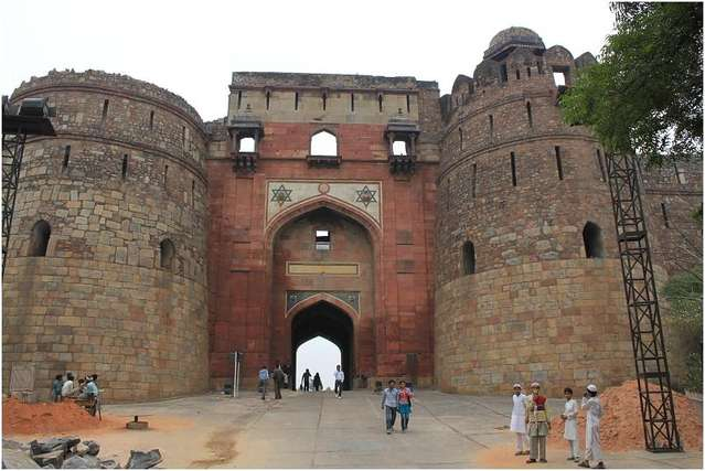 крепость Пурана-Кила