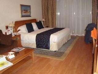 отель Crowne Plaza Dubai 5*