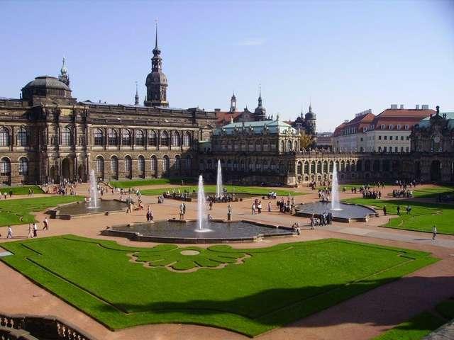 Дворец Цвингер в Дрездене, Германия