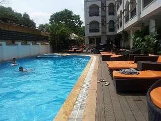 отель La Gulls Court 3*