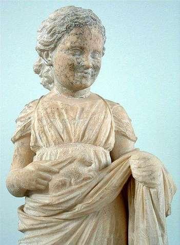 Мраморная вотивная статуя
