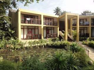 отель Unawatuna Beach Resort 4*
